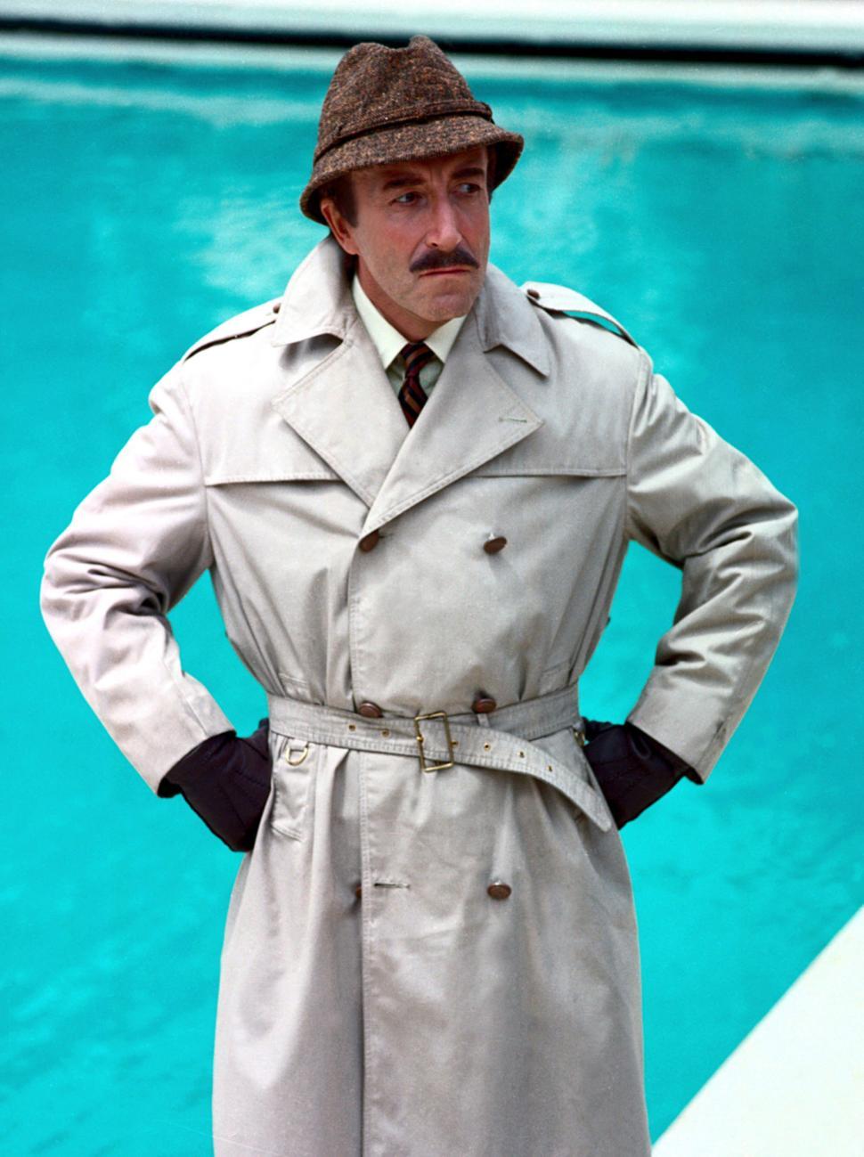 Nuestro Inspector no descansa ni en la piscina